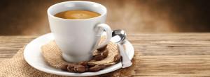 Tazzina di caffè con cucchiaino
