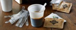 Bicchiere di plastica caffè